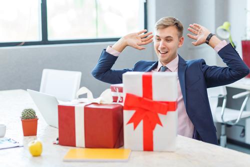 プレゼントをくれる人の心理はコレだった!