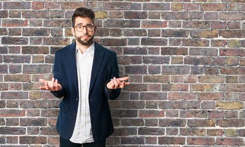 早口の心理~落ち着きがない人の性格と改善方法