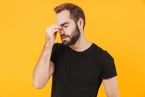 鼻を触る人の心理が知りたい!心の奥にある本音とは?