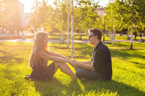 好きなタイプの男性について話す時の女性心理はどんなもの?-1