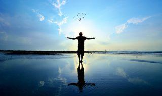 現実逃避する心理の原因と心の整理方法について