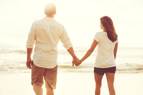 左側に立つ心理・男女ごとの恋愛心理について