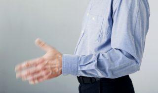手が落ち着かない心理の原因と改善するコツ