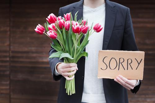 ごめんねの心理になりやすい人の特徴について