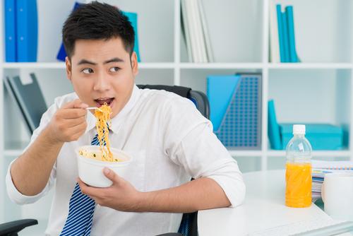 ラーメンが食べたい心理と衝動を抑えるコツ