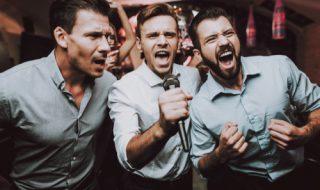 カラオケで一緒に歌う人の心理が謎…本音とは
