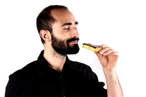 お菓子を買いだめする心理でわかる男性の性格