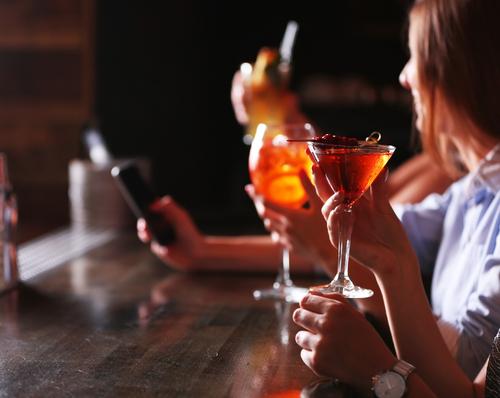 飲み過ぎる人の心理状況と飲み過ぎない対策