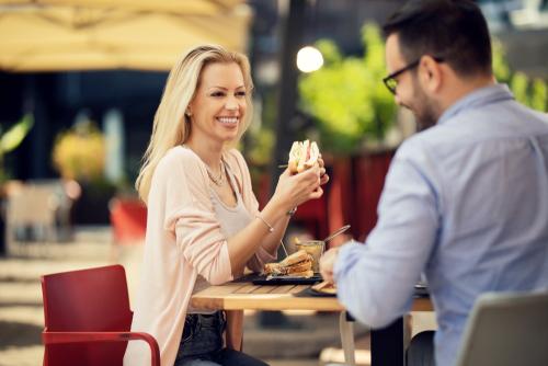 年下男性におごる女性心理と姉御肌の特徴