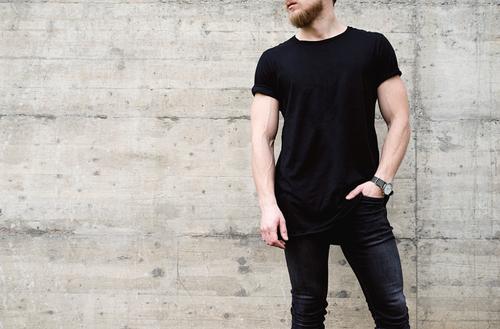 全身黒の心理とは・洋服の色でわかる気分