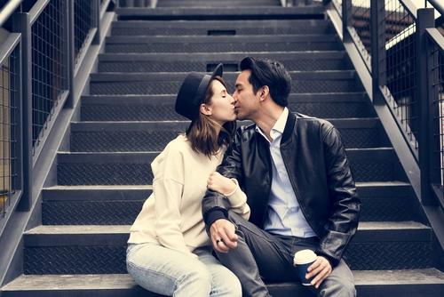 喧嘩後にキスする心理・仲直りする方法とは