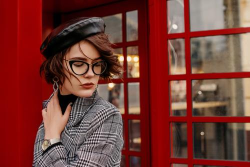 眼鏡をかける心理について・男女で違う特徴