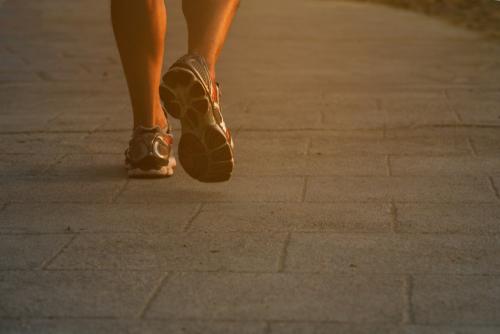 つま先を動かす心理・足の動きでわかる思いとは