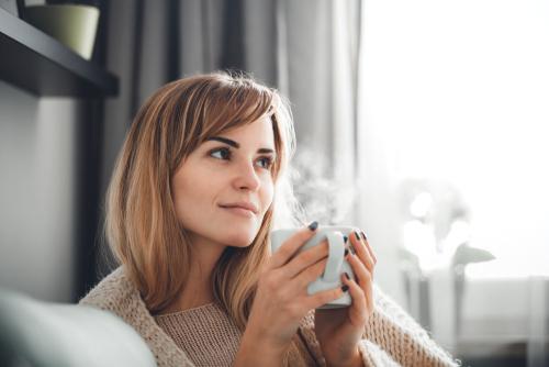年上女性が甘えてくる心理はどう解釈すべき?