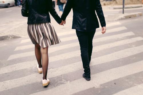 砕けた口調で話す心理と恋愛に進展するサイン