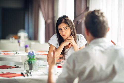 人に聞こえるように悪口を言う心理はなぜか?