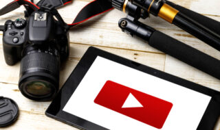 YouTubeに厳しいコメントを残す心理とは?